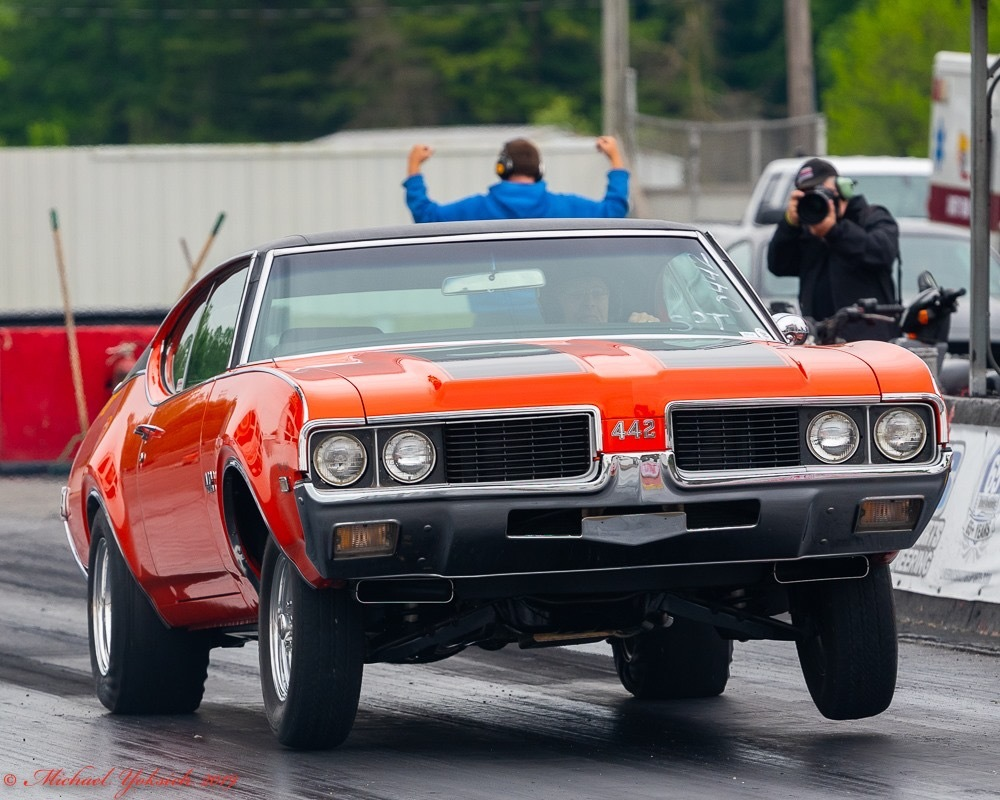 Orange  1969 Oldsmobile 442 W-32