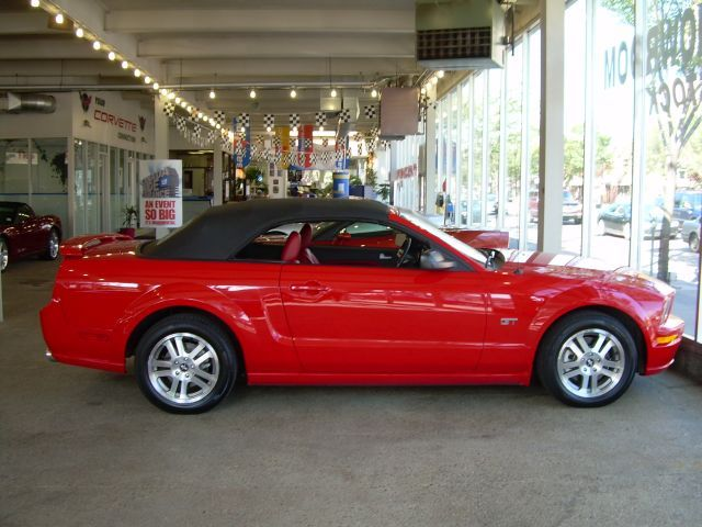 2006  Ford Mustang GT Convertable picture, mods, upgrades
