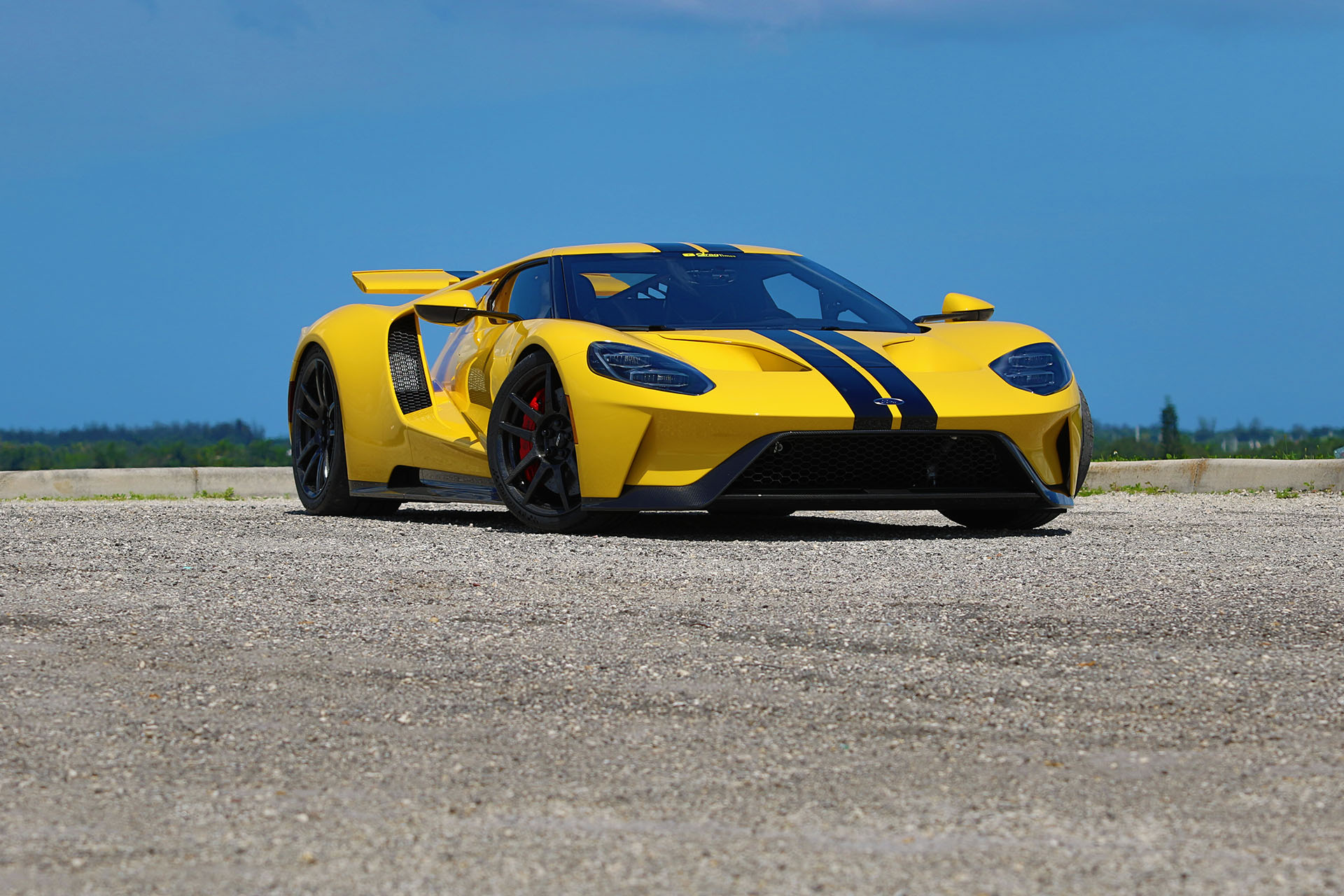 2018-Ford-GT-DragtTimes-vista-view-01.jp