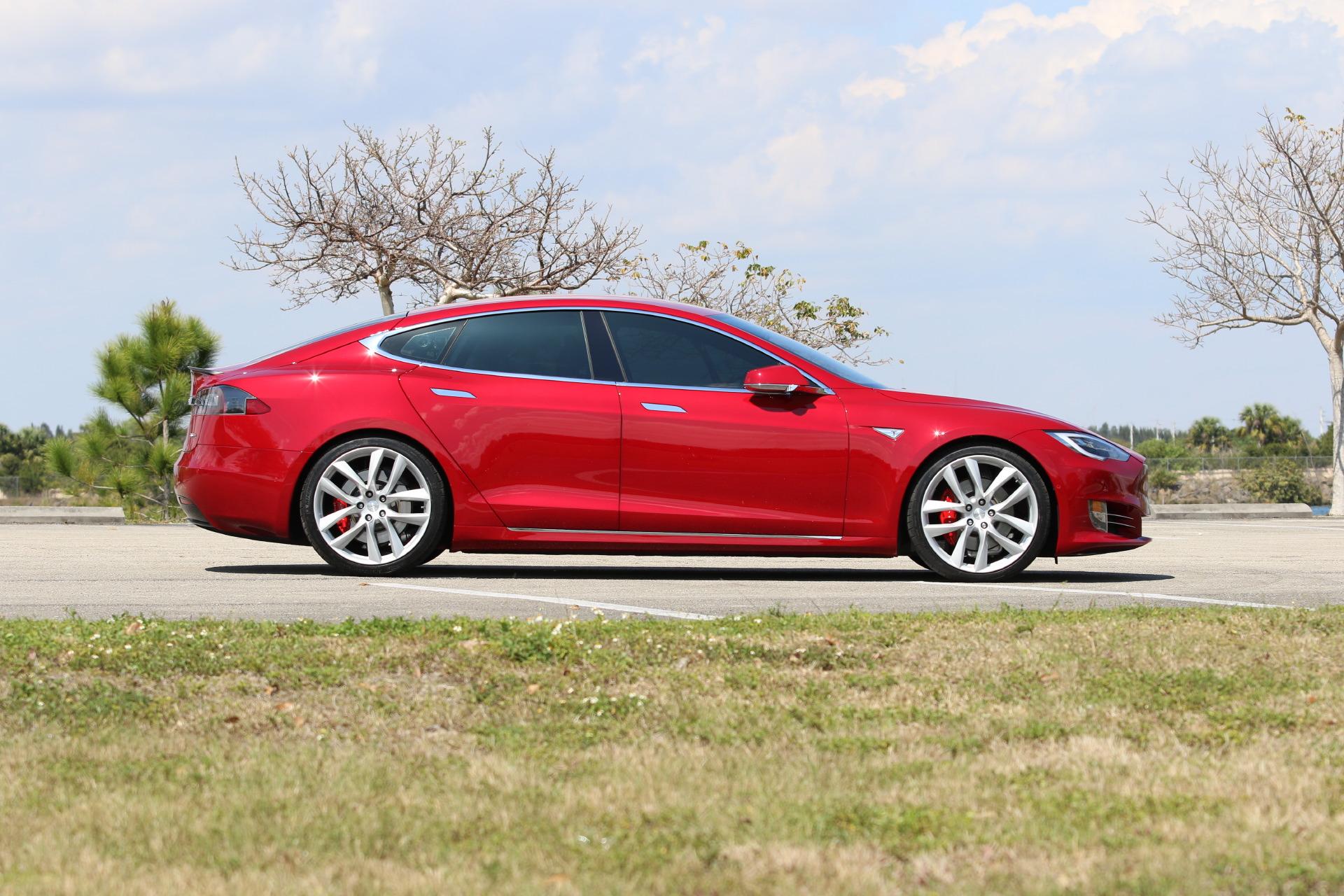 New Oem Tesla Forged Lightweight Arachnid Wheels On The